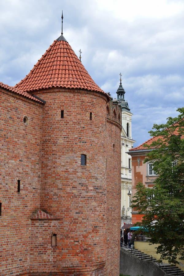 Gammalt torn för röd tegelsten arkivfoto