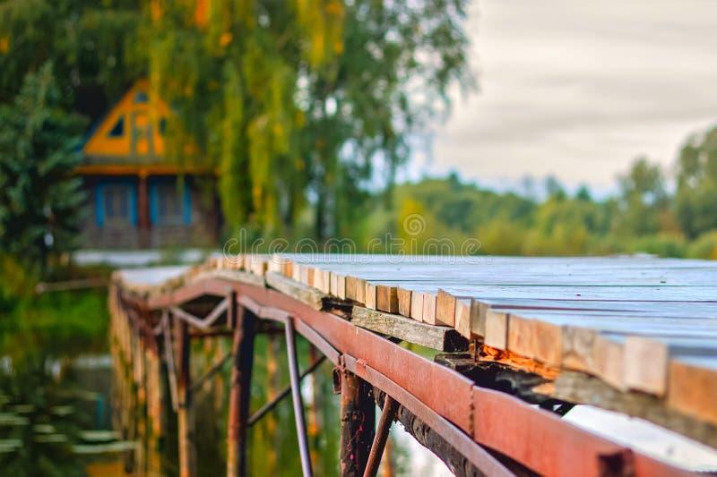 gammalt trä för bro royaltyfri foto