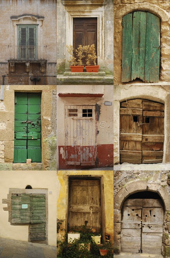 gammalt trä för dörrar royaltyfri bild