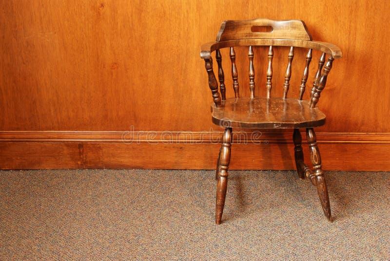 gammalt trä för stol arkivbilder