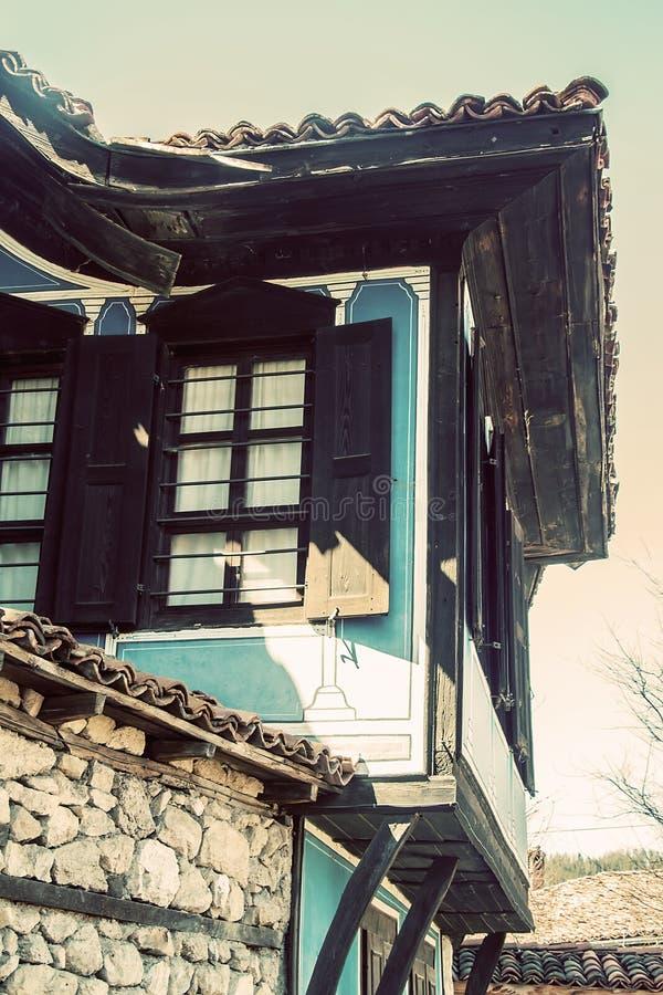 Gammalt traditionellt bulgarian hus fotografering för bildbyråer