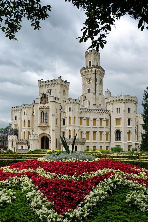 Gammalt tyskt slott med rabatten royaltyfri fotografi