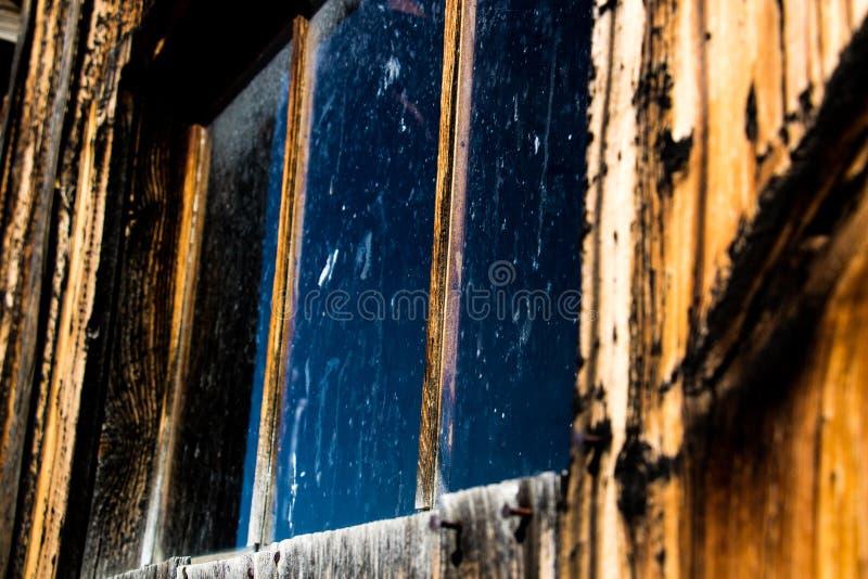 Gammalt västra fönster i Montana royaltyfri fotografi