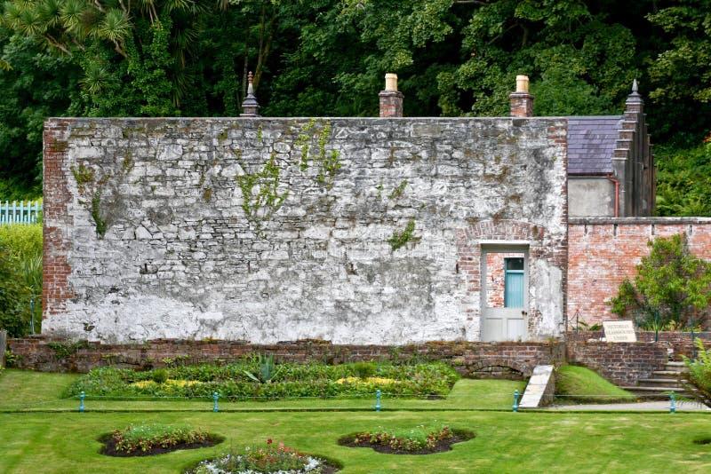 Gammalt växthus, viktoriansk walled trädgård, Kylemore, Irland royaltyfri foto