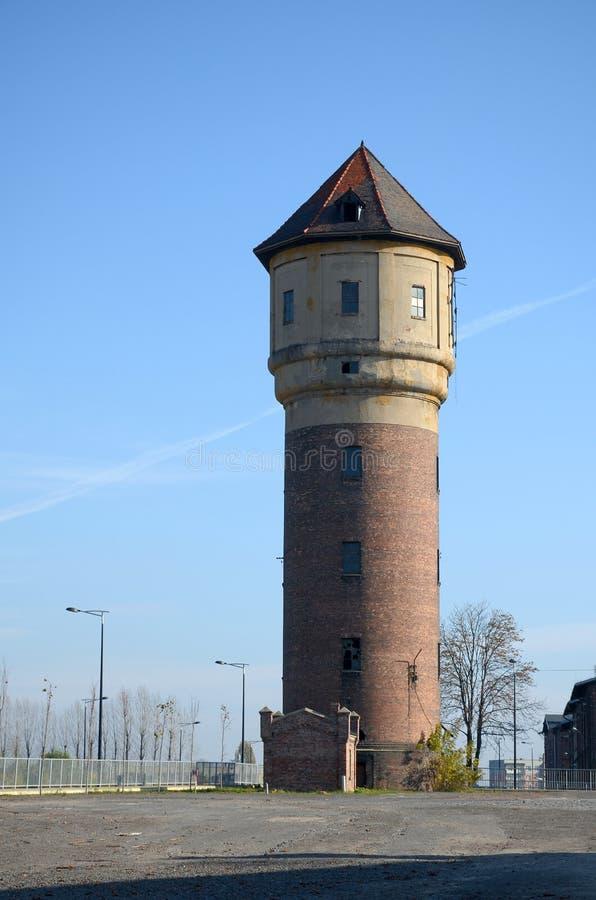 Gammalt vattentorn i Katowice, Polen royaltyfri bild