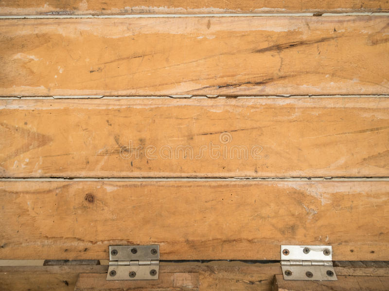 Gammalt Wood lock med gångjärntextur för bakgrund arkivfoto