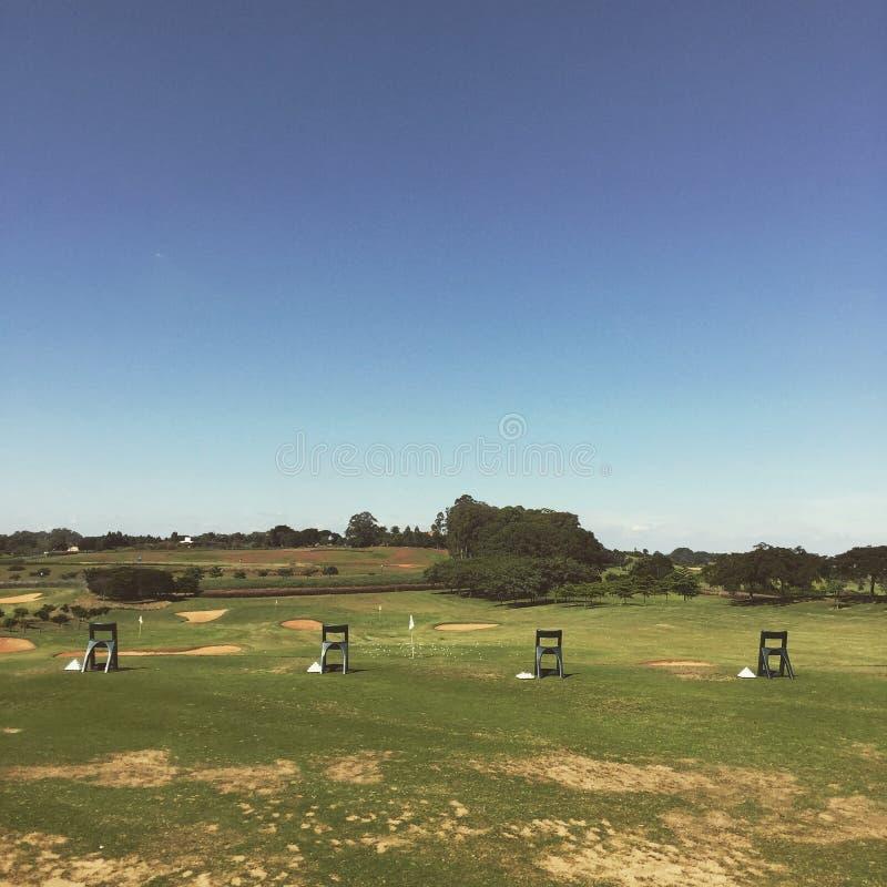 Gamme d'entraînement de golf images stock