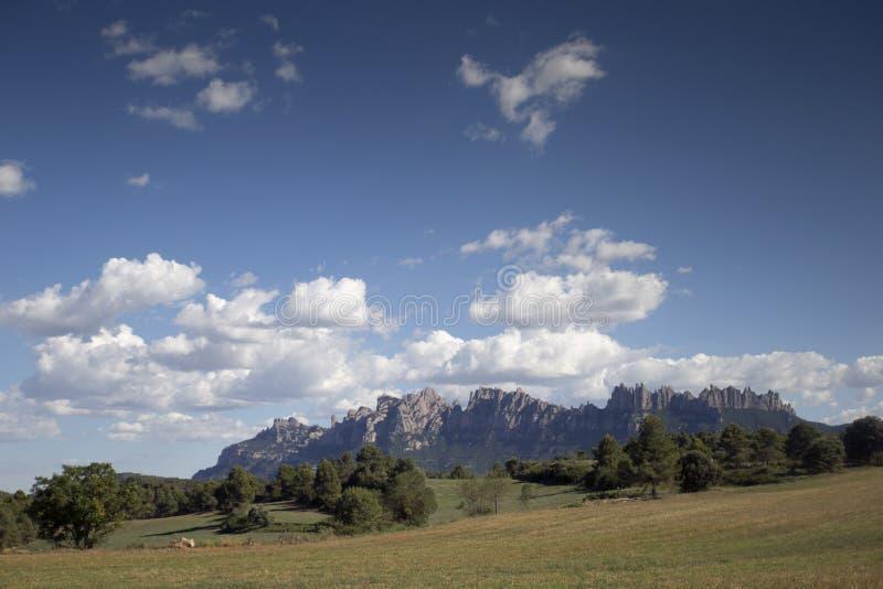 Gamme de montagne de Montserrat à Barcelone photos stock