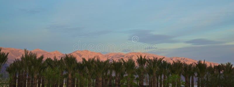 Gamme de montagne de lever de soleil Death Valley photographie stock