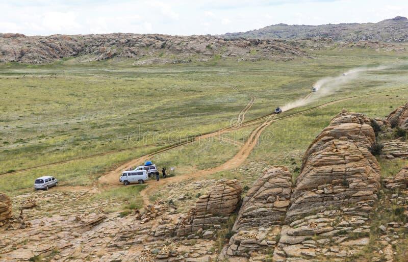 Gamme des montagnes en pierre dans du sud de la Mongolie images libres de droits