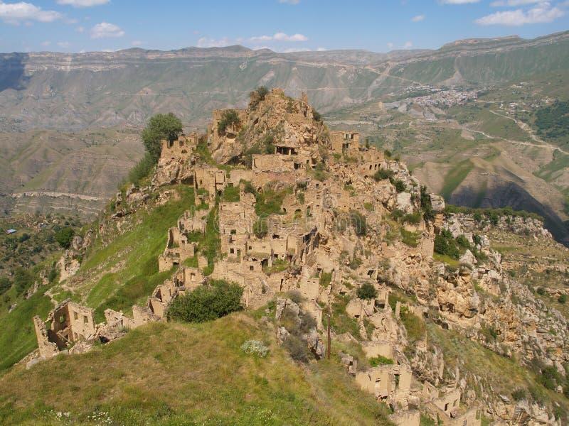 Gamsutl, un village abandonné dans Dagestan, Russie image stock