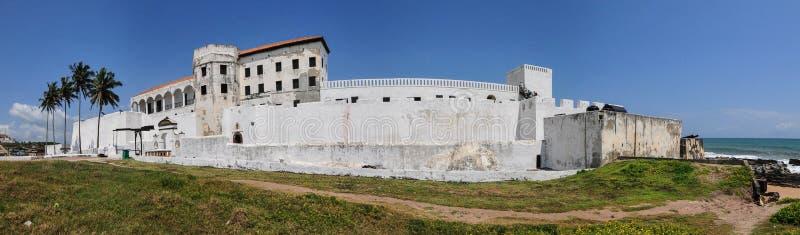 Gana: Local do patrimônio mundial do castelo de Elmina, história da escravidão fotos de stock royalty free