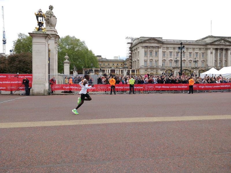 Ganador 2019 del maratón de Londres imagen de archivo libre de regalías