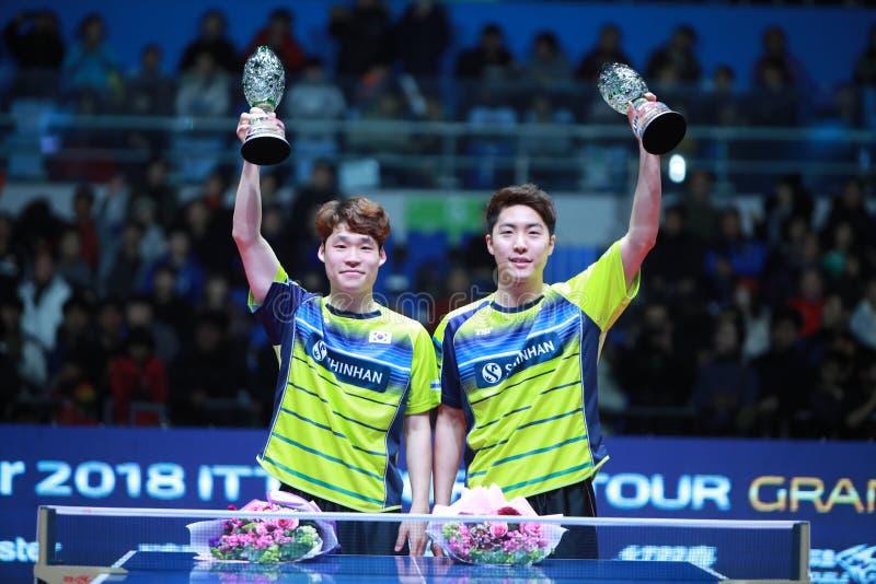 Ganadores JANG Woojin KOR y LIM Jonghoon de los dobles de los hombres imágenes de archivo libres de regalías