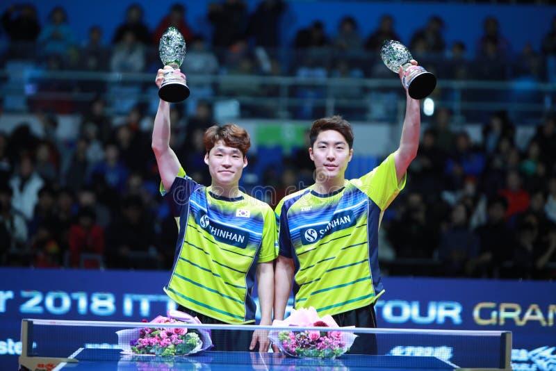 Ganadores JANG Woojin KOR y LIM Jonghoon de los dobles de los hombres fotografía de archivo libre de regalías