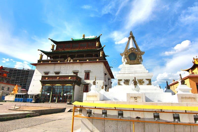 Gandantegchinlen修道院是一间西藏式佛教徒修道院在Ulaanbaatar,蒙古的蒙古首都 库存照片