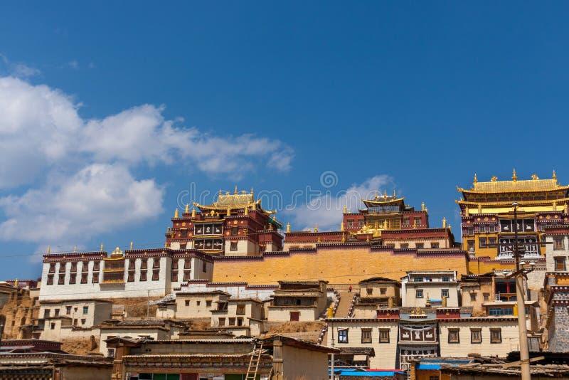 Ganden Sumtseling Kloster in Shangrila, China lizenzfreie stockbilder