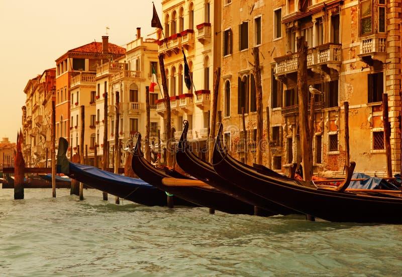 Gandolas de Venecia imagen de archivo