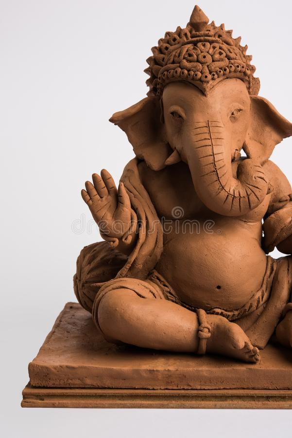 Ganesh/Ganpati idol ή murti φιλικός προς το περιβάλλον, οικιακή χρήση επιλεκτική εστίαση στοκ φωτογραφία με δικαίωμα ελεύθερης χρήσης