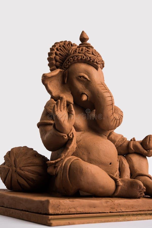 Ganesh/Ganpati idol ή murti φιλικός προς το περιβάλλον, οικιακή χρήση επιλεκτική εστίαση στοκ εικόνα με δικαίωμα ελεύθερης χρήσης