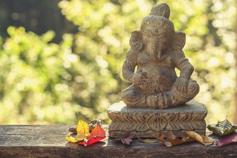 Ganesh-Gottheits-Steinstatue stockfotos