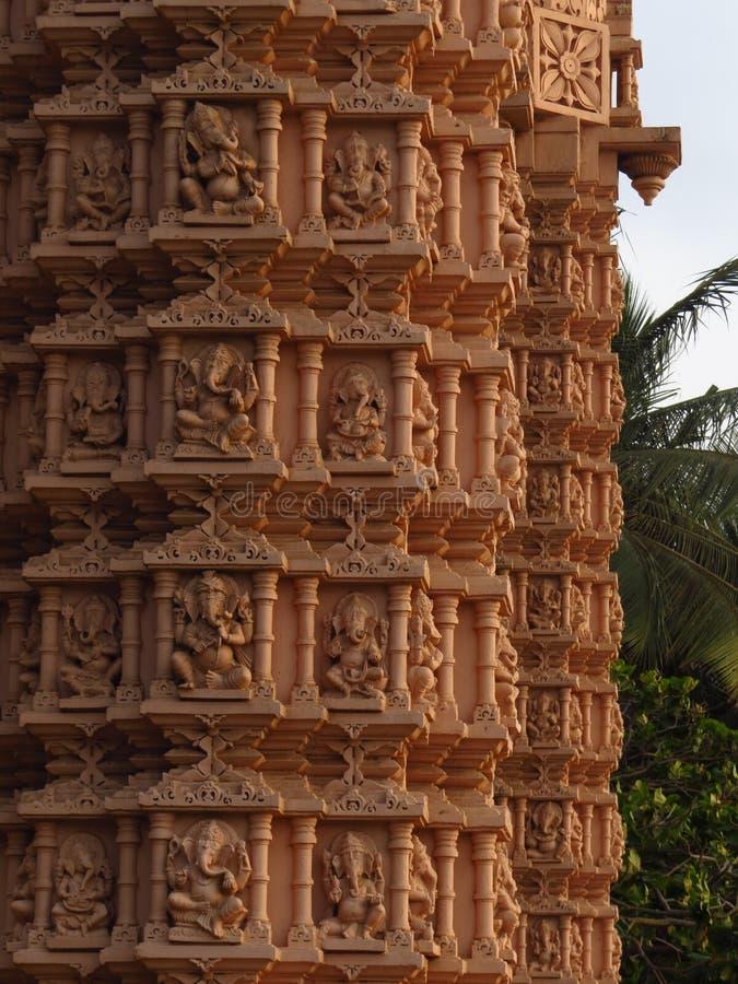 Ganesh hindú de dios en viejo desinein del pilar en formas multipal imágenes de archivo libres de regalías
