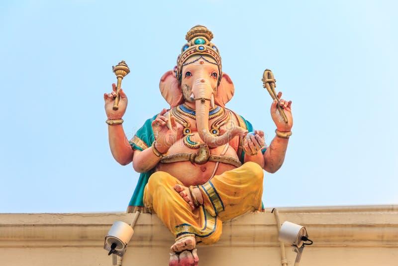 Ganesh skulptur på Sri Mariamman den hinduiska templet royaltyfria bilder