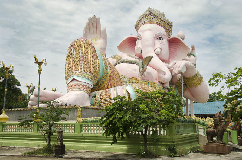 Ganesh statue pink color thai called Phra Pikanet at outdoor for people visit and respect praying at Lord Ganesha Park. On May 9, 2017 in Nakhon Nayok, Thailand stock photos