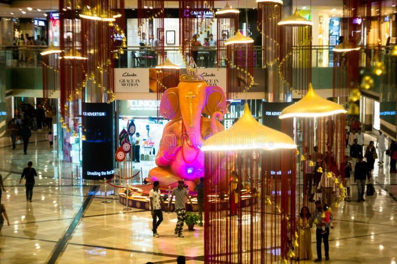 Ganesha印度神巨型的雕象在购物中心 库存照片
