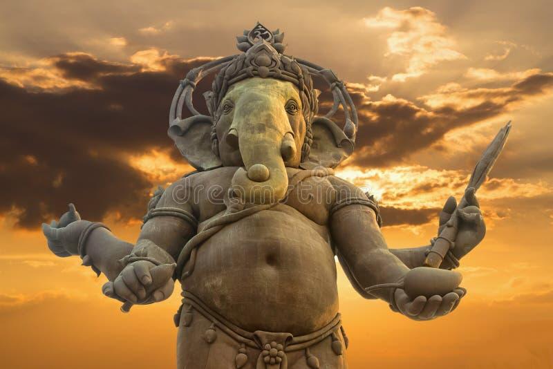 Ganesha hinduisk gudstaty royaltyfri bild