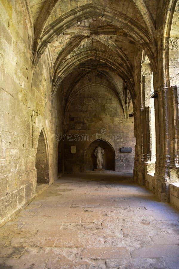 Gang in een klooster royalty-vrije stock afbeeldingen