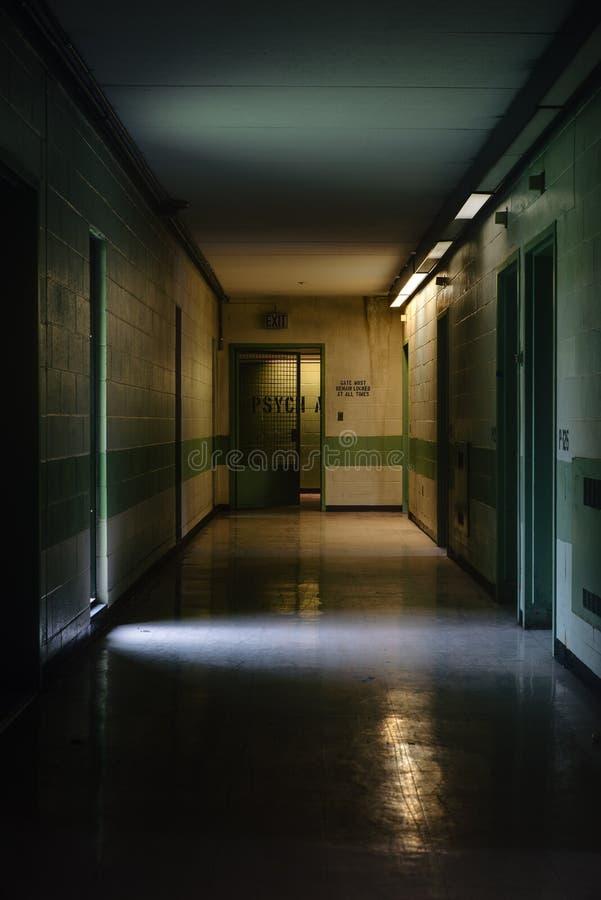 Gang - het Verlaten Ziekenhuis/Sanatorium - New York royalty-vrije stock foto