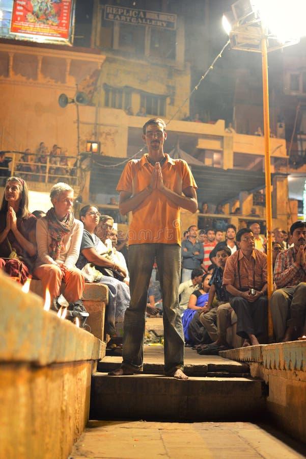 Ganga Aarti Ceremony à Varanasi image libre de droits