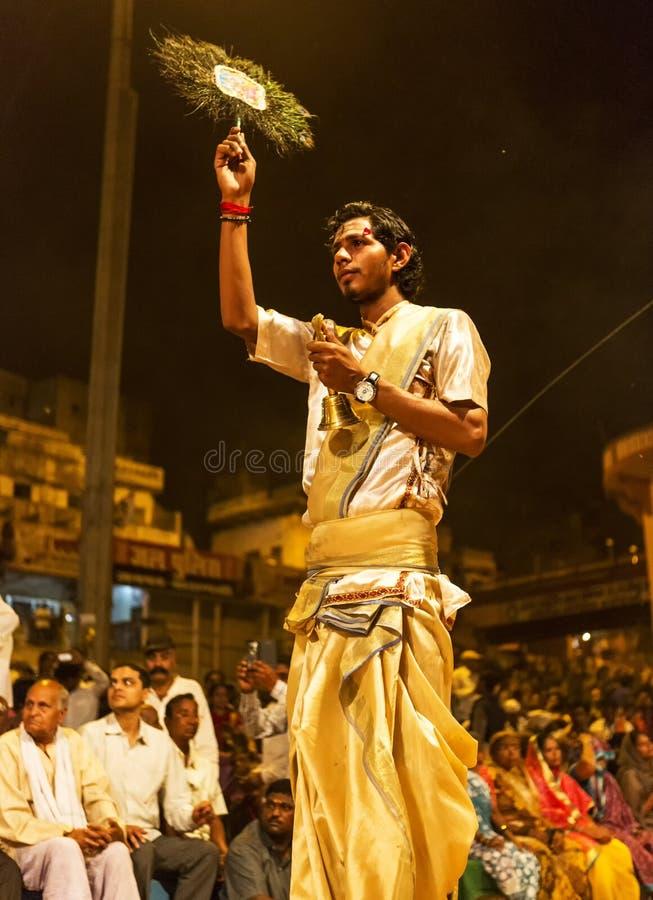Ganga Aarti em Varanasi foto de stock