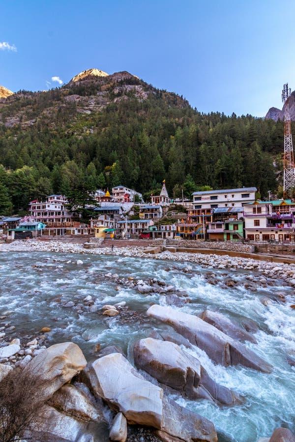 Ganga-Fluss in Gangotri lizenzfreies stockfoto