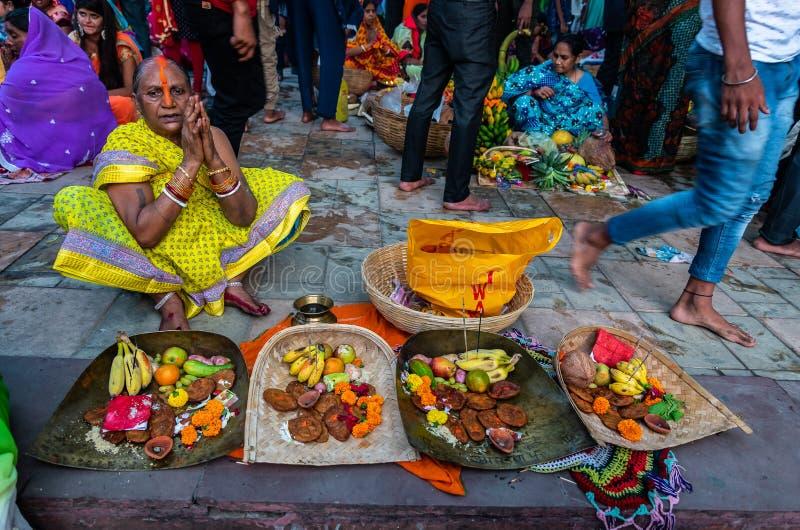 Ganga Puja eller Chhathh Puja arkivbild