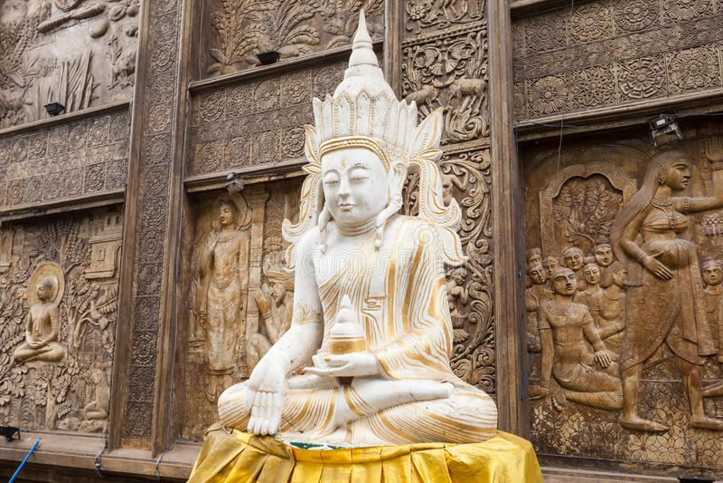 Gangaramaya寺庙在科伦坡 免版税库存照片