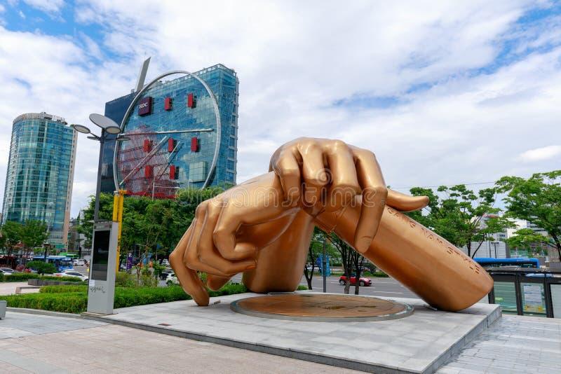 Gangnam-Artstatue vor coex Mall im Gangnam-Bezirk in Seoul-Stadt stockbild