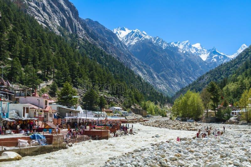 Gangotri - Indisch Himalayagebergte royalty-vrije stock afbeeldingen