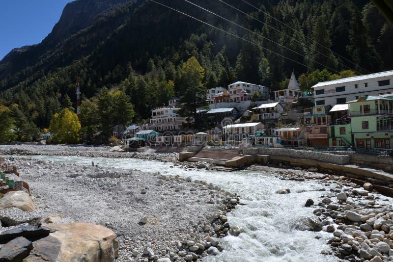 Gangotri, Uttarakhand, Indien Fluss Ganges in Indien lizenzfreie stockbilder