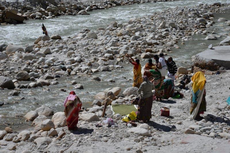 Gangotri, Uttarakhand, Indien Fluss Ganges in Indien lizenzfreie stockfotografie