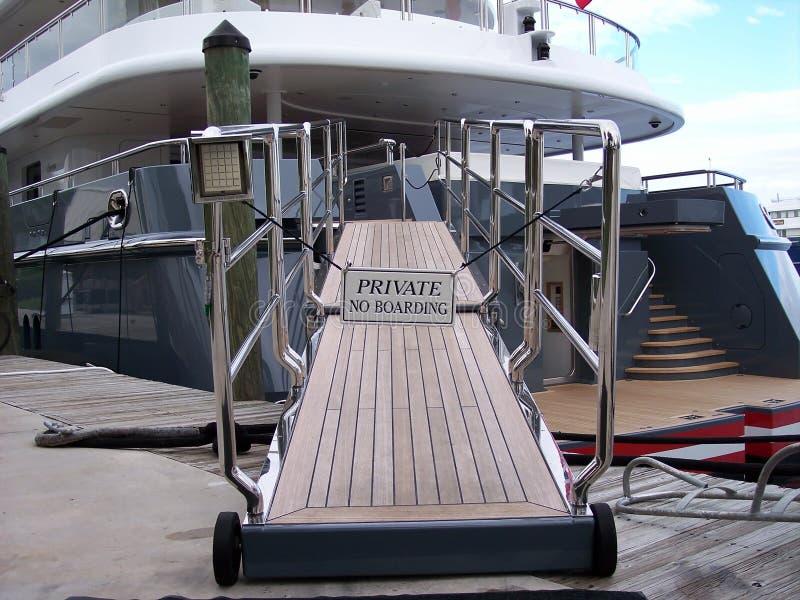 gangplank jacht obraz royalty free