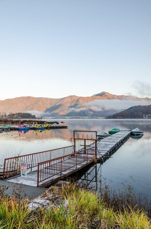 Gangplank przy Jeziornym Kawaguchi zdjęcie stock