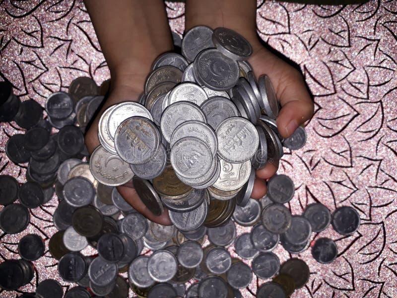 Ganhe o dinheiro em linha foto de stock