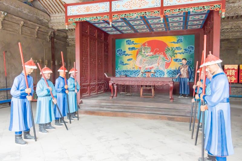 GANSU, CHINA - 6 de abril de 2015: Cacique Yamen del Lu un Histori famoso fotografía de archivo