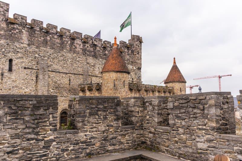 Gante, B?lgica - 6 DE ABRIL DE 2019: Gravensteen Castillo medieval en Gante Detalles dentro del castillo fotos de archivo