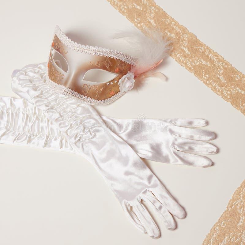 Gants de masque et de soie photo libre de droits