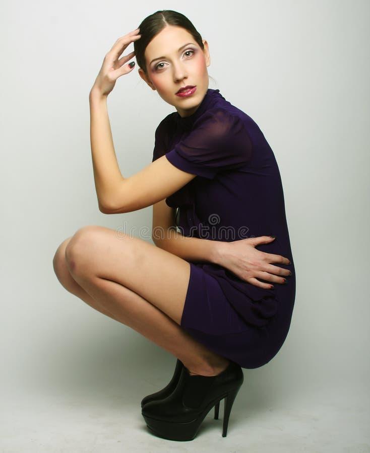 Ganzaufnahme des schönen Mode-Modells lizenzfreies stockfoto