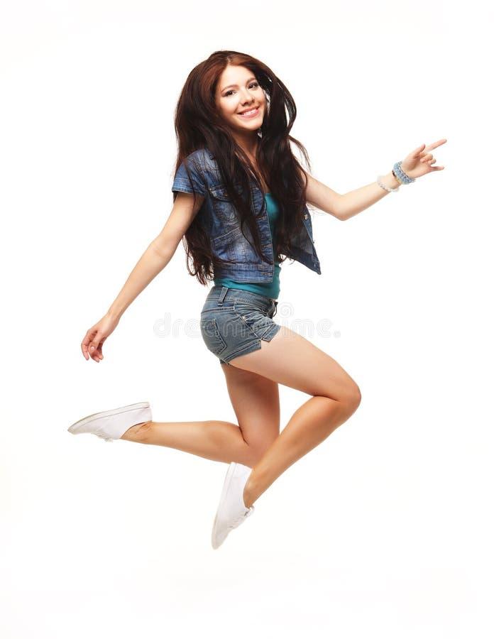 Ganzaufnahme eines jungen schönen e-Mädchens, das ein sho trägt stockfoto