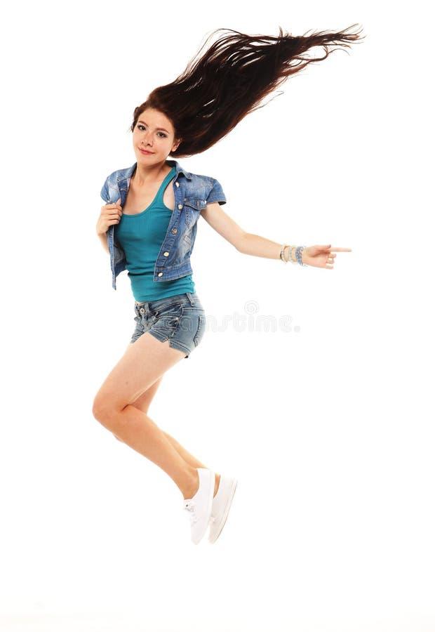 Ganzaufnahme eines jungen schönen e-Mädchens, das ein sho trägt lizenzfreie stockfotografie
